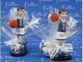 Dragées Baptême - Petit joueur de basket avec pochon de dragees