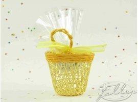 Dragées Baptême - Dragées baptême dans panier de jute jaune