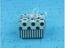 Dragées Baptême - Dragées dans une boite carrée turquoise-marron