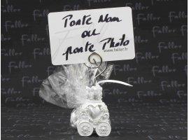 Dragées Mariage - Carosse resine blanc porte  photo avec dragees mariage