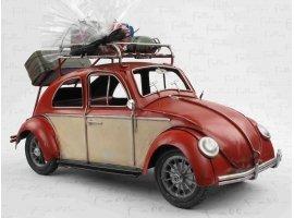 Dragées Baptême - Ancienne voiture en métal  rouge avec dragées de baptême
