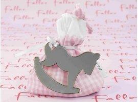 Dragées Baptême - Sac en tissu vichy rose avec cheval à bascule