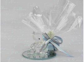 Dragées Baptême - Petit ourson en verre déposé sur un socle miroir